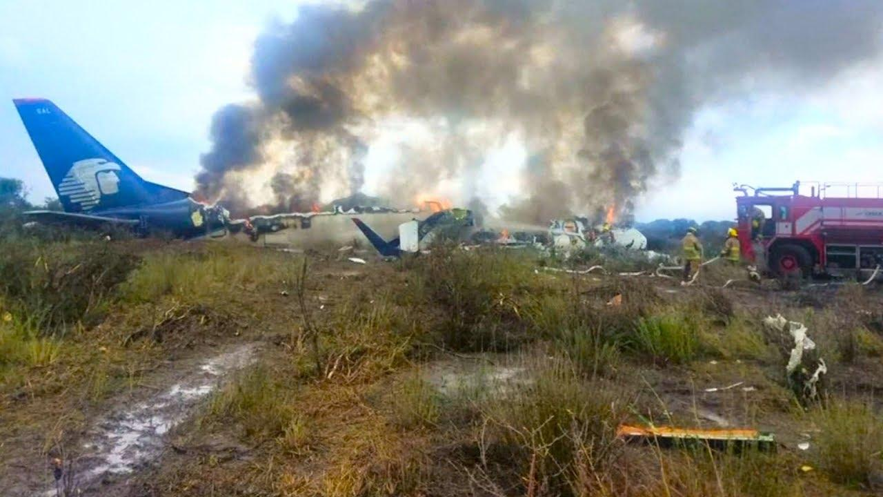 Mexico: A hundred passengers survive a crash on takeoff
