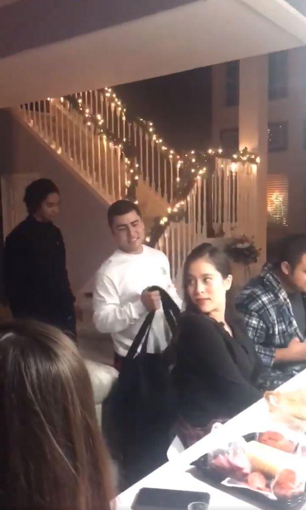 Girl (21) gives her boyfriend the vibes on her birthday speech 1