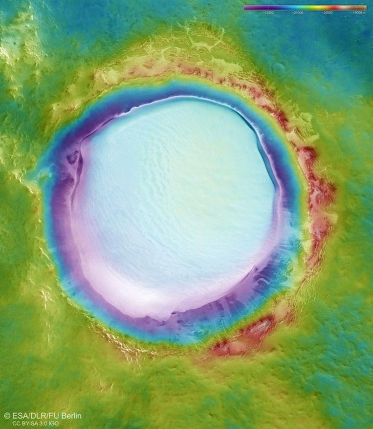 Mars does have white Christmas: water ice layer in Korolev crater 2