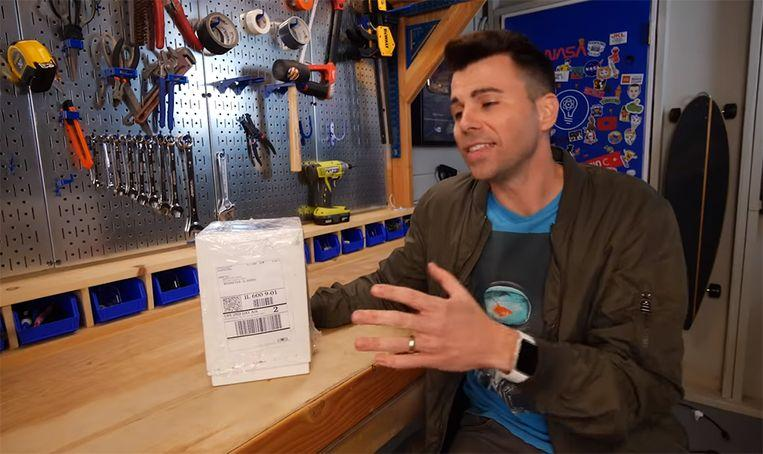 NASA engineer develops 'glitter bomb' to teach packet thieves a lesson 2