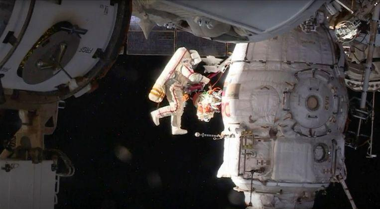 Damaged Soyuz capsule with three astronauts ISS landed safely 5