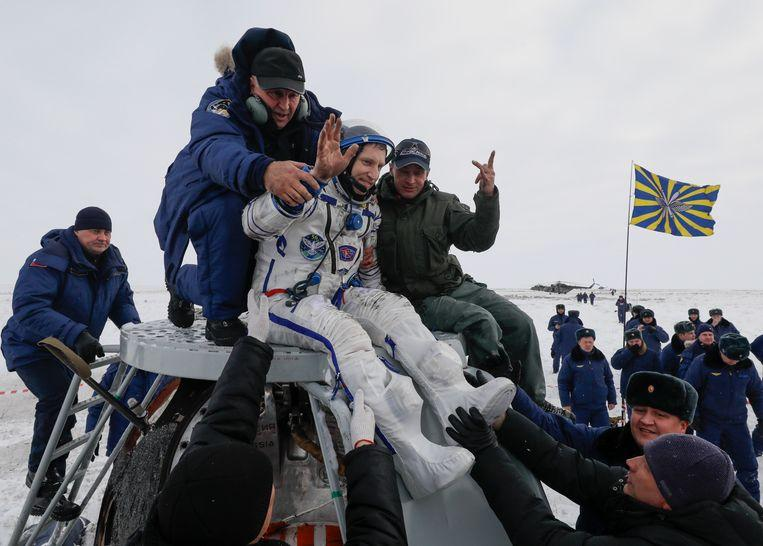 Photo of Damaged Soyuz capsule with three astronauts ISS landed safely