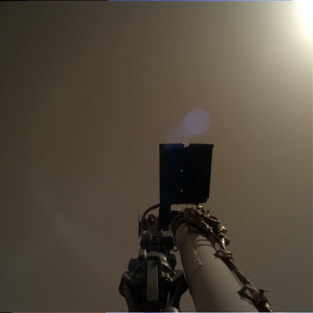 Marslander InSight sends new pictures of the red planet 1