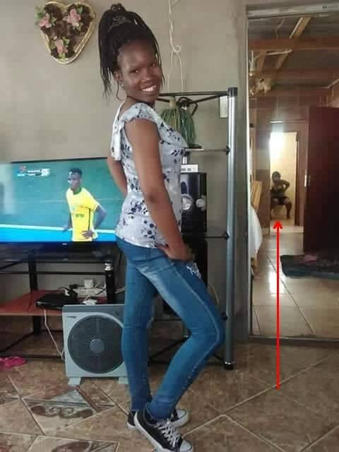 Funny: Those that failed to check background of their pictures 2