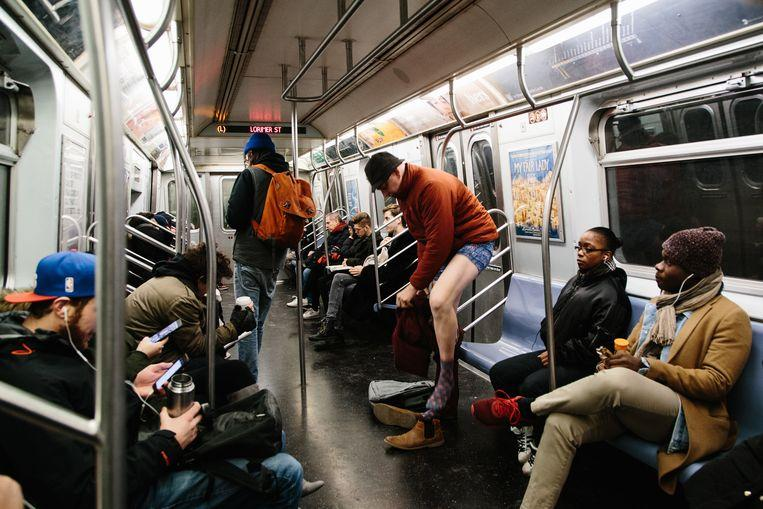 No pants on the metro: No Pants Subway Ride in 50 amusing pictures 21