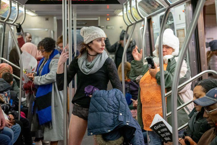 No pants on the metro: No Pants Subway Ride in 50 amusing pictures 28