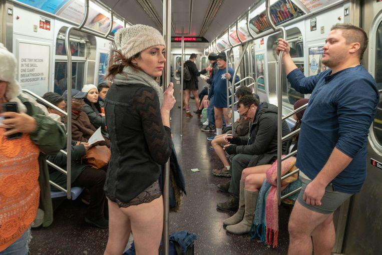 No pants on the metro: No Pants Subway Ride in 50 amusing pictures 35