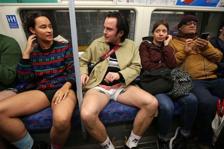 No pants on the metro: No Pants Subway Ride in 50 amusing pictures 45