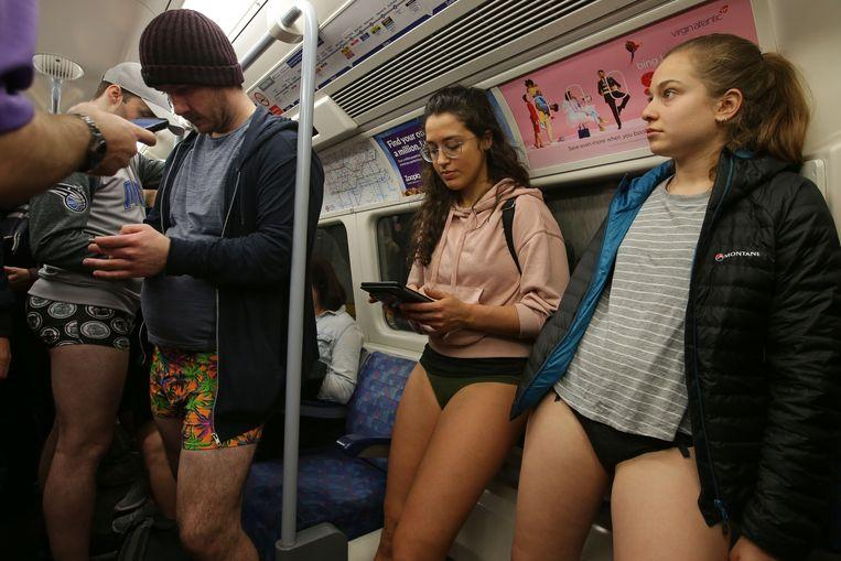 No pants on the metro: No Pants Subway Ride in 50 amusing pictures 51