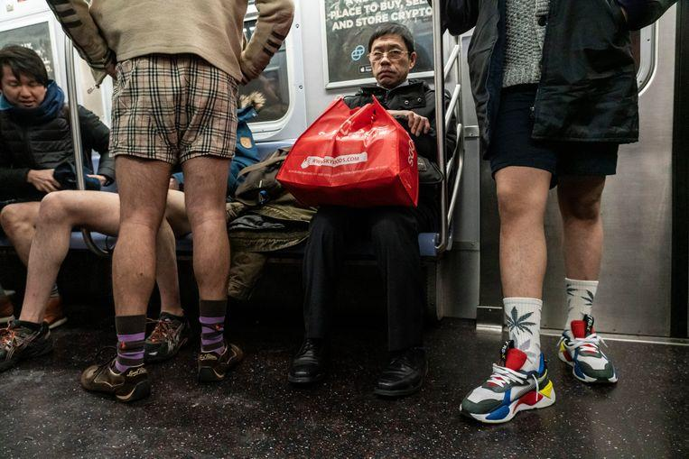 No pants on the metro: No Pants Subway Ride in 50 amusing pictures 12