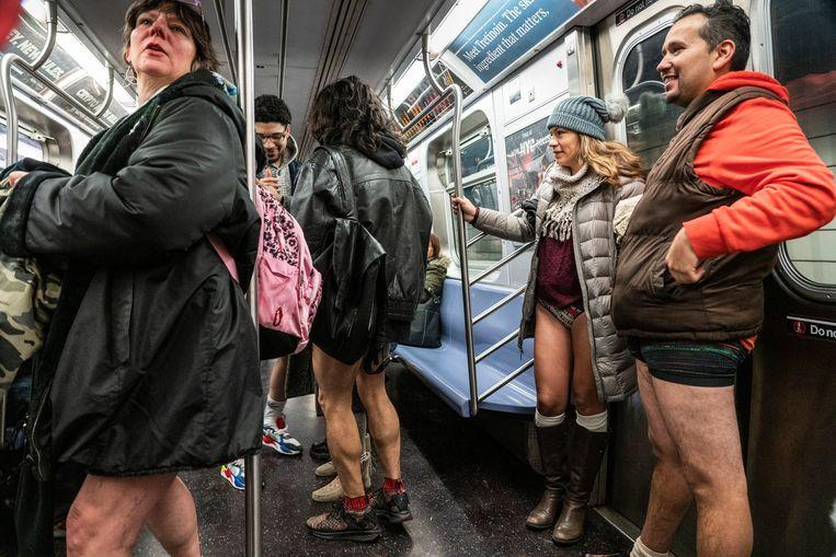 No pants on the metro: No Pants Subway Ride in 50 amusing pictures 13