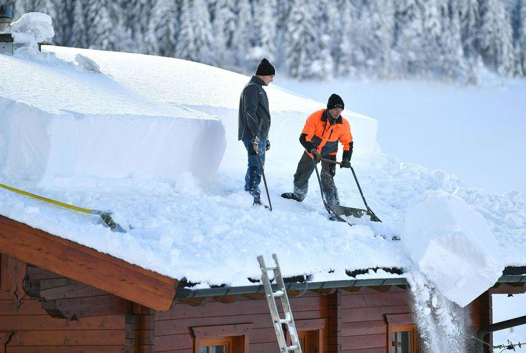 Snow chaos continues in Austria: 11,000 people cut off from the outside world 3