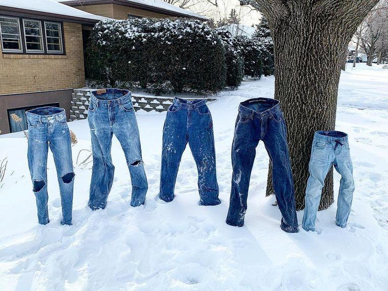 Photo of #frozenpants: Americans allow jeans freeze up in the snow
