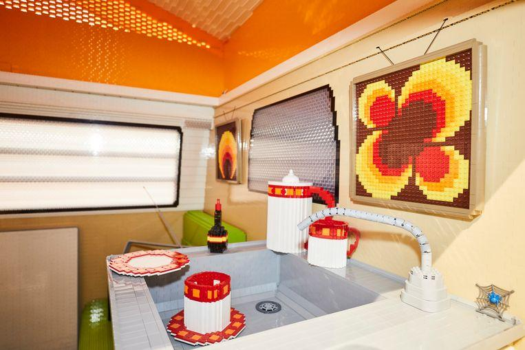 400,000 Lego pebbles were needed to build this full-size camper