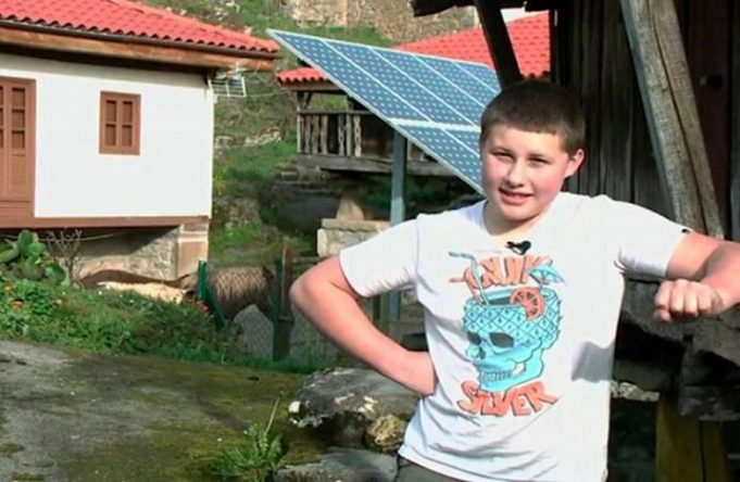 Adrian, only kid in Asturias since 2005, doesn't want another kid