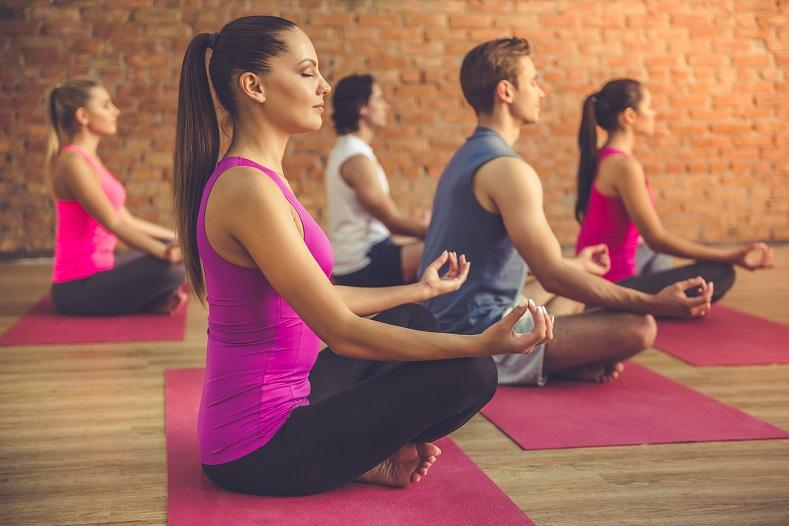 """""""Inappropriate clothing"""": 30 people arrested during yoga class in Iran"""