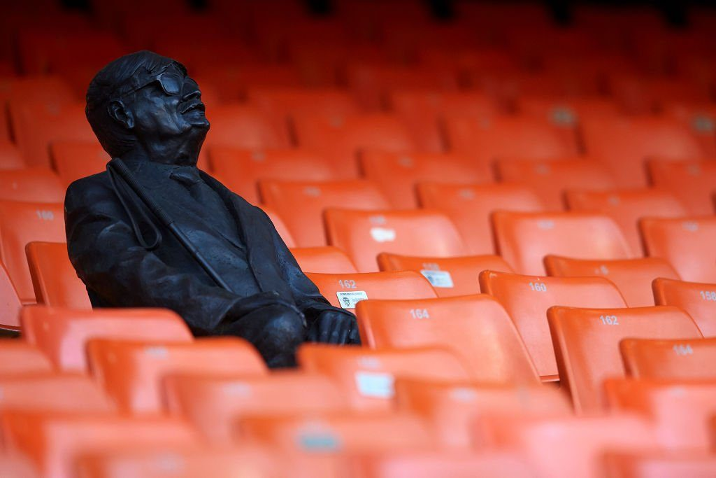 Valencia honors blind fan two years after his death with a statue