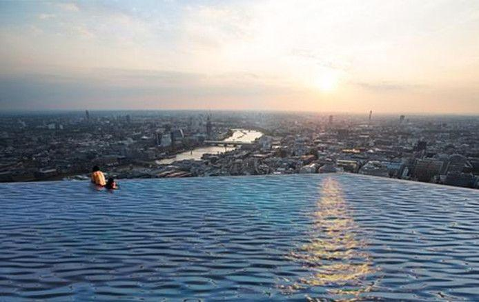 Infinity London: extreme swimming pool you must not fear heights