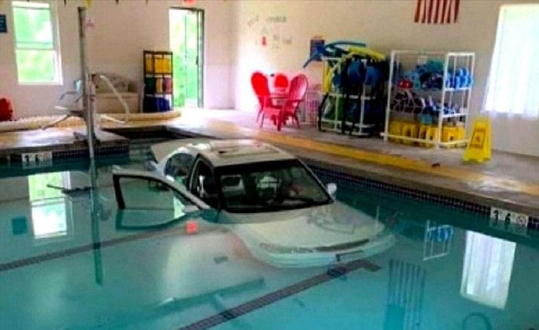 American (93) ends up in a pool by car on the way to aqua gym
