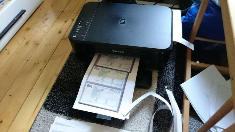 Woman tries to pay Audi A3 with home-printed euros