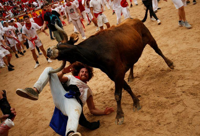 """Horn pierced my neck"": man tells how selfie was almost fatal during Pamplona's bull run"
