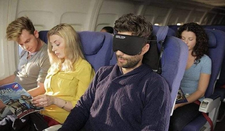 7 tips to sleep like a baby on the plane