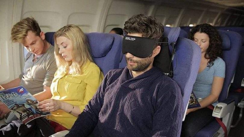 7 tips to sleep like a baby on the plane