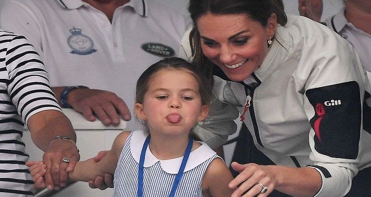 """Photo of """"That's not naughty, but rude"""": Britons spread over the tongue of Princess Charlotte"""
