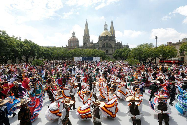 World record of folk dance broken in Mexico