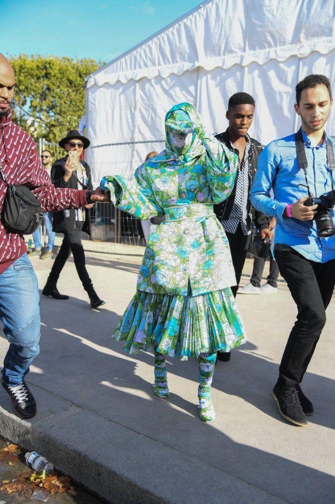 Cardi B goes unrecognizable to the Paris fashion week [Photos]