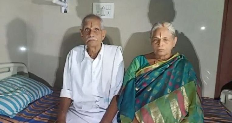 """Photo of India woman (74) gives birth to twins: """"Only got pregnant now"""""""